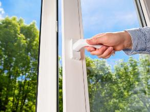 Kunststoff Fenster & Türen